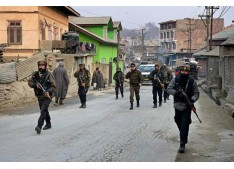 Army conducts flag march in Pulwama areas