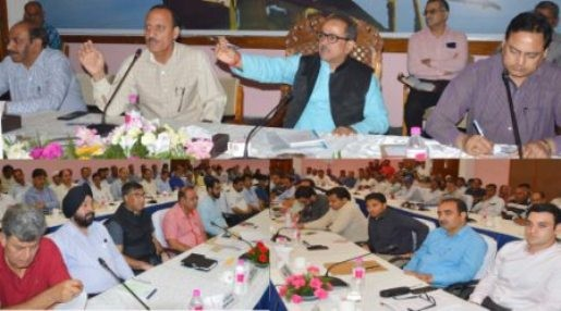 Dy CM for effective implementation of polythene ban