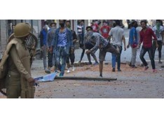 Clashes erupt in Pulwama