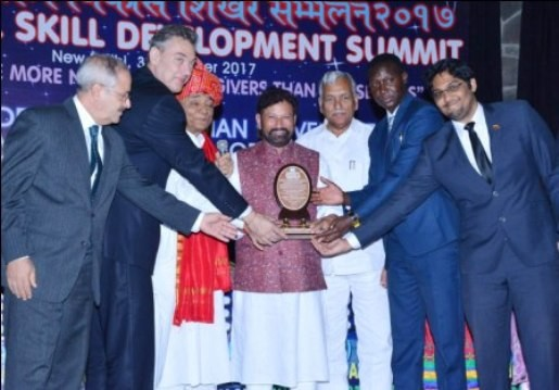 Lal Singh receives 'Green State of the Year Award' Lauds officials for helping Govt to turn JK into green corridor