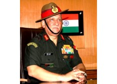 Army Chiefin Srinagar to review situation