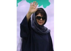Mehbooba discussed state projects with Gadkari