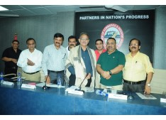 Dy CM Kavinder Gupta interacts with Industrialist  ?>