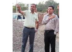 Div Com/Deputy Commissioner Jammu visits migrant camp at Jagti: directs to improve quality, cleanliness and hygiene