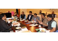 DDC Ganderbal discusses Pandach-Beehama Road Project Rehabilitation