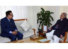 Principal Secretary Finance Navin Choudhary briefs Governor Satya Pal Malik  over J&K Budget 2019