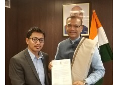 CEC  Leh JTN calls on Minister for Civil Aviation; Raises Air connectivity and Airfare issues of Leh and Kargil