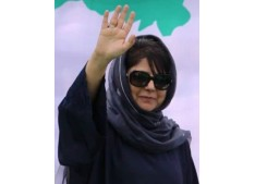 Stones pelted on Mehbooba Mufti's cavalcade in Kashmir, PDF chief escapes unhurt