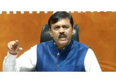Shoe hurled at BJP MP GVL Narasimha Rao