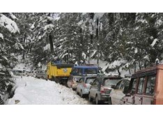 Div Com tours Srinagar city, reviews snow clearance preparedness