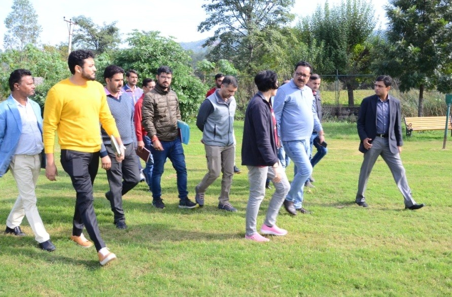 Navin Choudhary inspects Jammu Tawi Golf Course, reviews developmental works