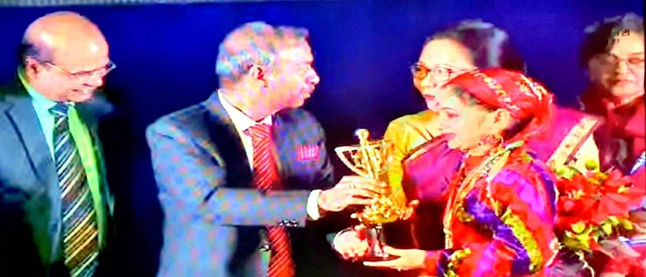 Khushi brings laurels in Solo Vocal Music competition held at Bhopal