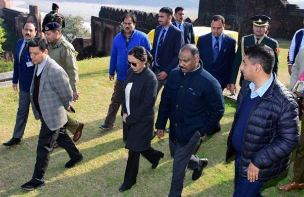 Lt Governor conducts a whirlwind tour of Akhnoor-Jourian: Reviews progress of work on Indri Pattan-Pargwal Bridge