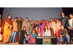 Smriti Irani assures establishment of Textile unit in Reasi
