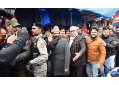 Union Minister Naqvi, Advisor Farooq Khan visit Srinagar center Lal Chowk