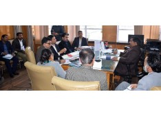 Dheeraj reviews implementation of LED street-lighting projects in J&K