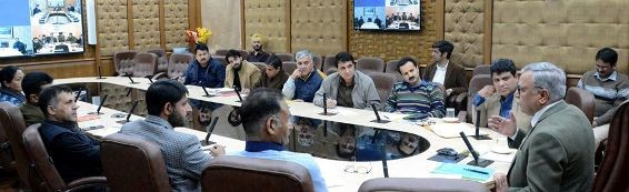 Advisor Khan reviews preparedness for Gulmarg winter games