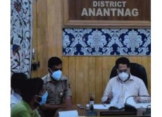 DC Anantnag convenes meeting of CMO and all BMOs on COVID-19
