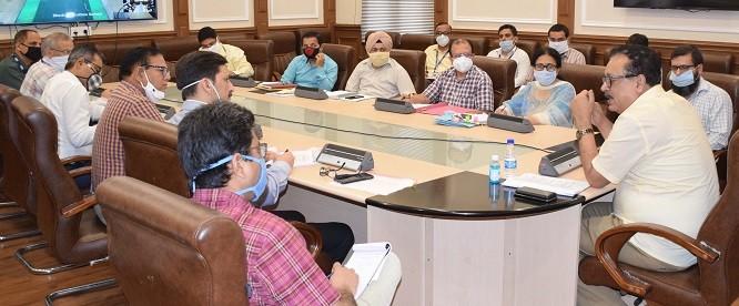 Navin Choudhary reviews progress on saturation of KCCs under Atma Nirbhar Bharat Abhiyaan