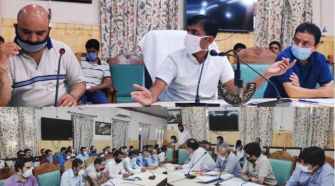 DDC Kupwara reviews progress of ongoing works