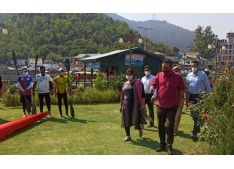 Navin Choudhary visits water sports centre, interacts with players