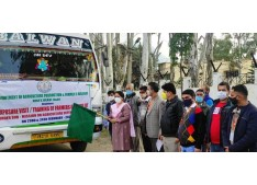 DC Reasi flags off farmers' Exposure visit to outside UT