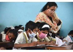 """Covid 19 peaking up: Till what time  DC Srinagar/Jammu to wait for ordering """"no Physical classes"""" in Schools ?"""