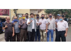 Dimple leads Protest against lack of medical facilities, Demands One month lockdown in Jammu
