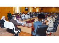 Advisor Baseer Khan Visits Baramulla, Kupwara to review COVID control measures