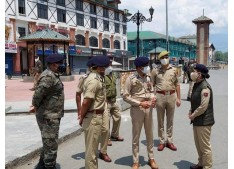 IGP Kashmir along with SSP Srinagar visit several places to review security arrangements