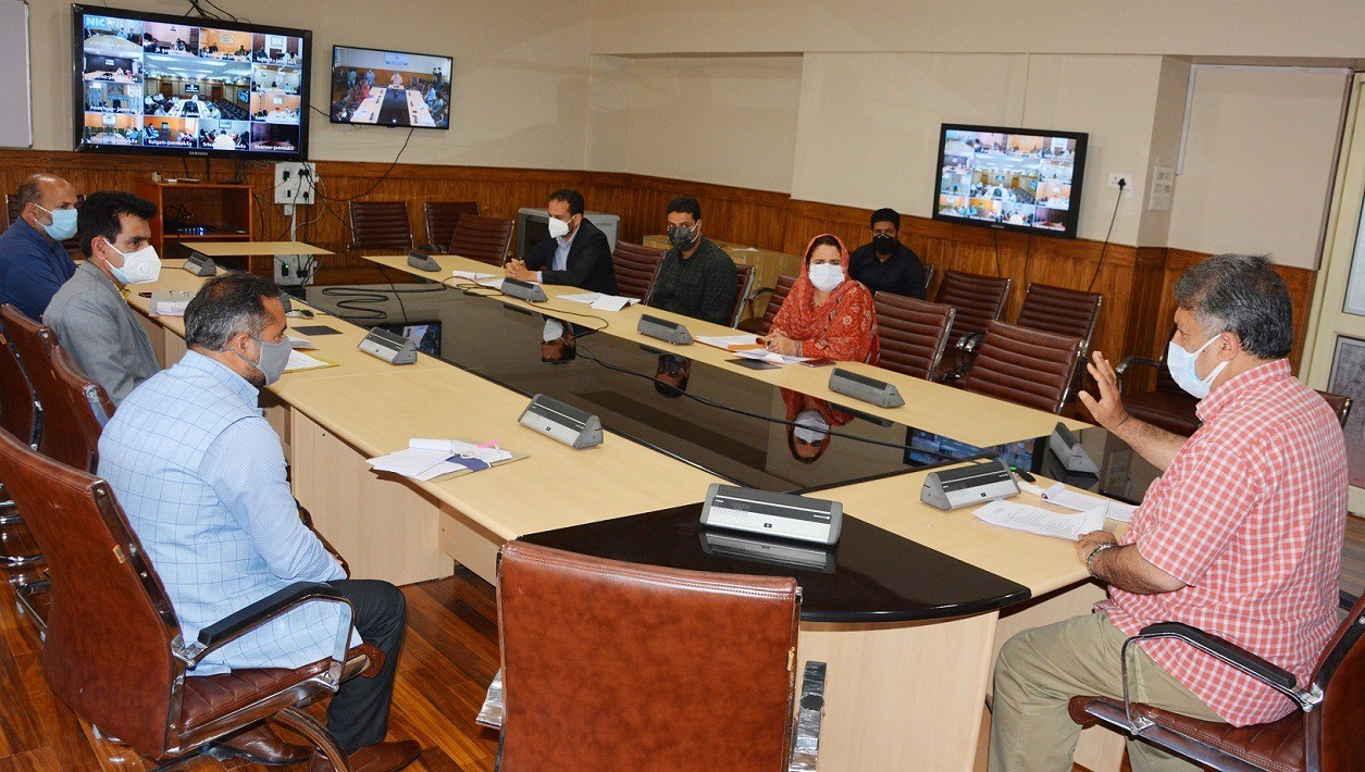 Asgar Samoon reviews status of different components of Skill Department J&K