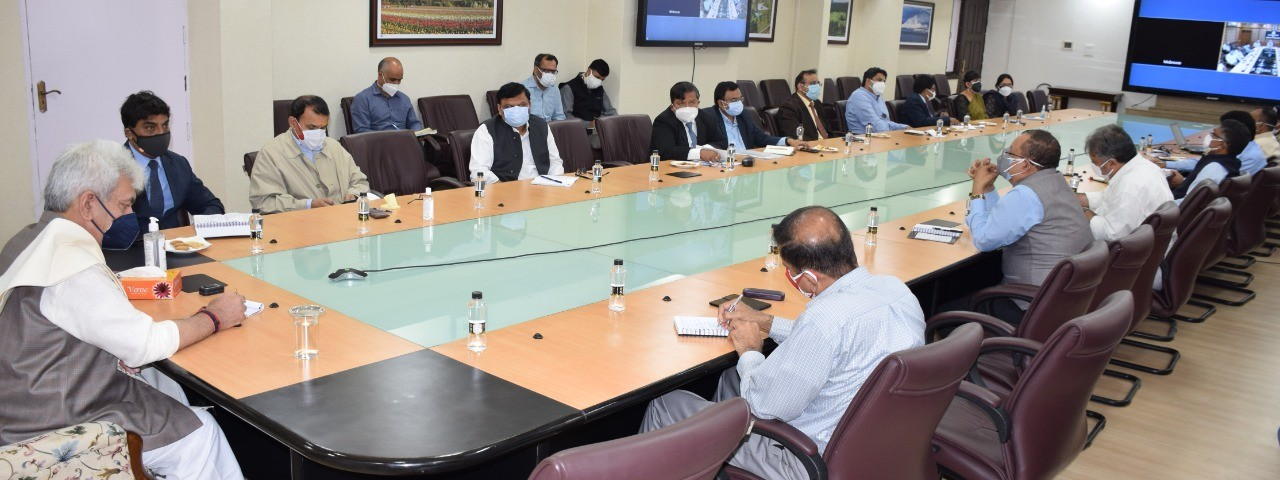 LG J&K directed Administrative Secretaries to improve speed, quality of decision-making