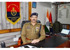 Baramulla Police arrests Kidnapper within 15 Hours ; Girl handed over to family