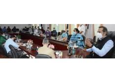 Advisor Baseer Khan assesses Covid containment measures in Ganderbal, lauds district admin