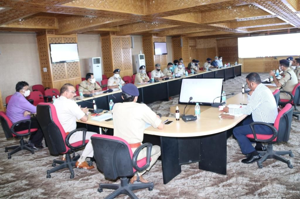 DGP J&K Dilbag Singh chairs high level review meeting on Crime,Security