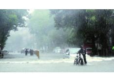 36 people die in landslides
