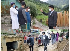 DC B'pora visits far flung areas of Gurez valley: on-spot directs for early redressal of grievances