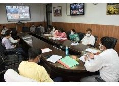 Div Com Jammu discusses action plans for promotion of Traditional, Cultural festivals with DCs