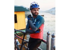 Kashmiri Cyclist Adil sets Guinness record for pedaling from Kashmir to Kanyakumari in record time