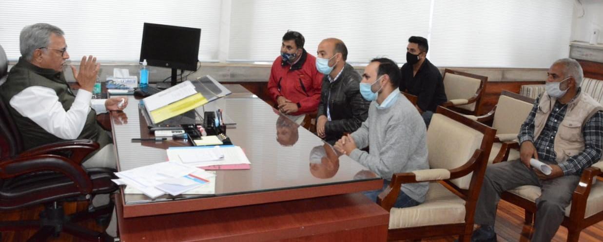 Advisor Farooq Khan issues various  directions on Spot